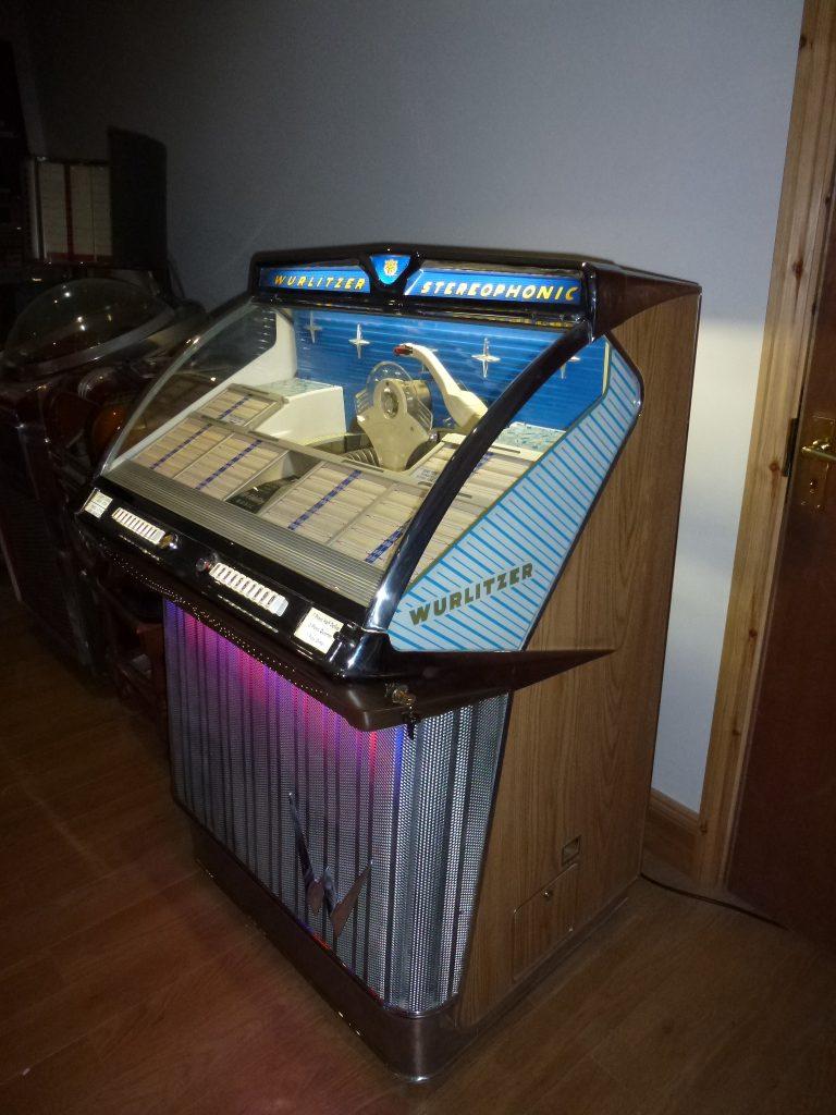 Wurlitzer 2310 Jukebox Revival