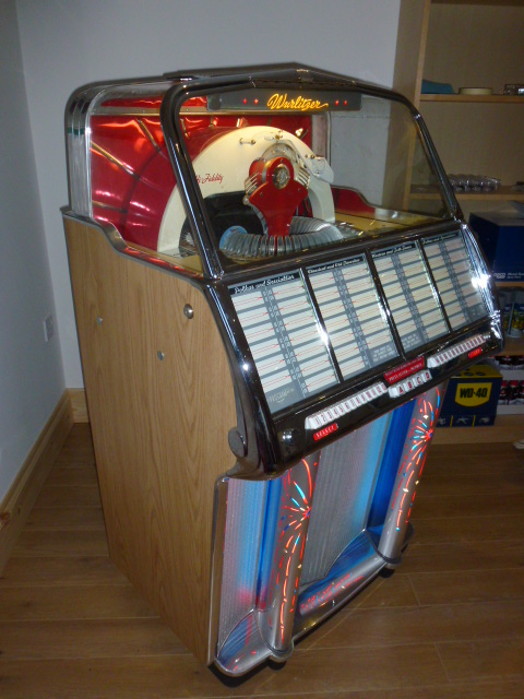 Wurlitzer 1800 Jukebox Revival